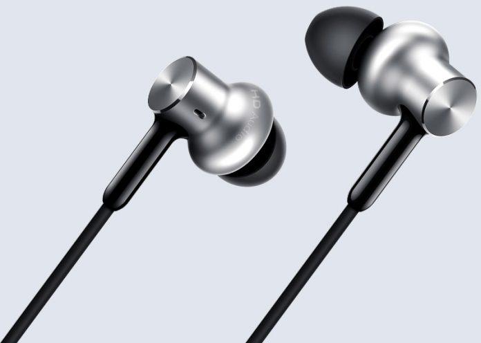 Xiaomi-Mi-In-Ear-Headphones-Pro-HD
